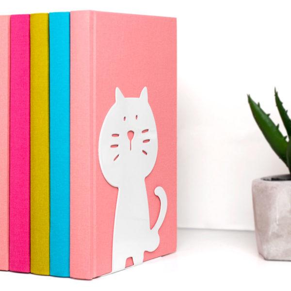 bokstod-katt-miljobild-pinkypine